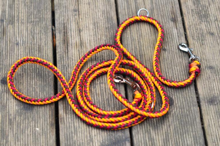 Die Kombination aus Gelb, Rot und Orange ist auch für eine Leine geeignet. Bei starken Verschmutzungen einfach ab in die Wäsche und schon strahlt das schöne Stück wie neu
