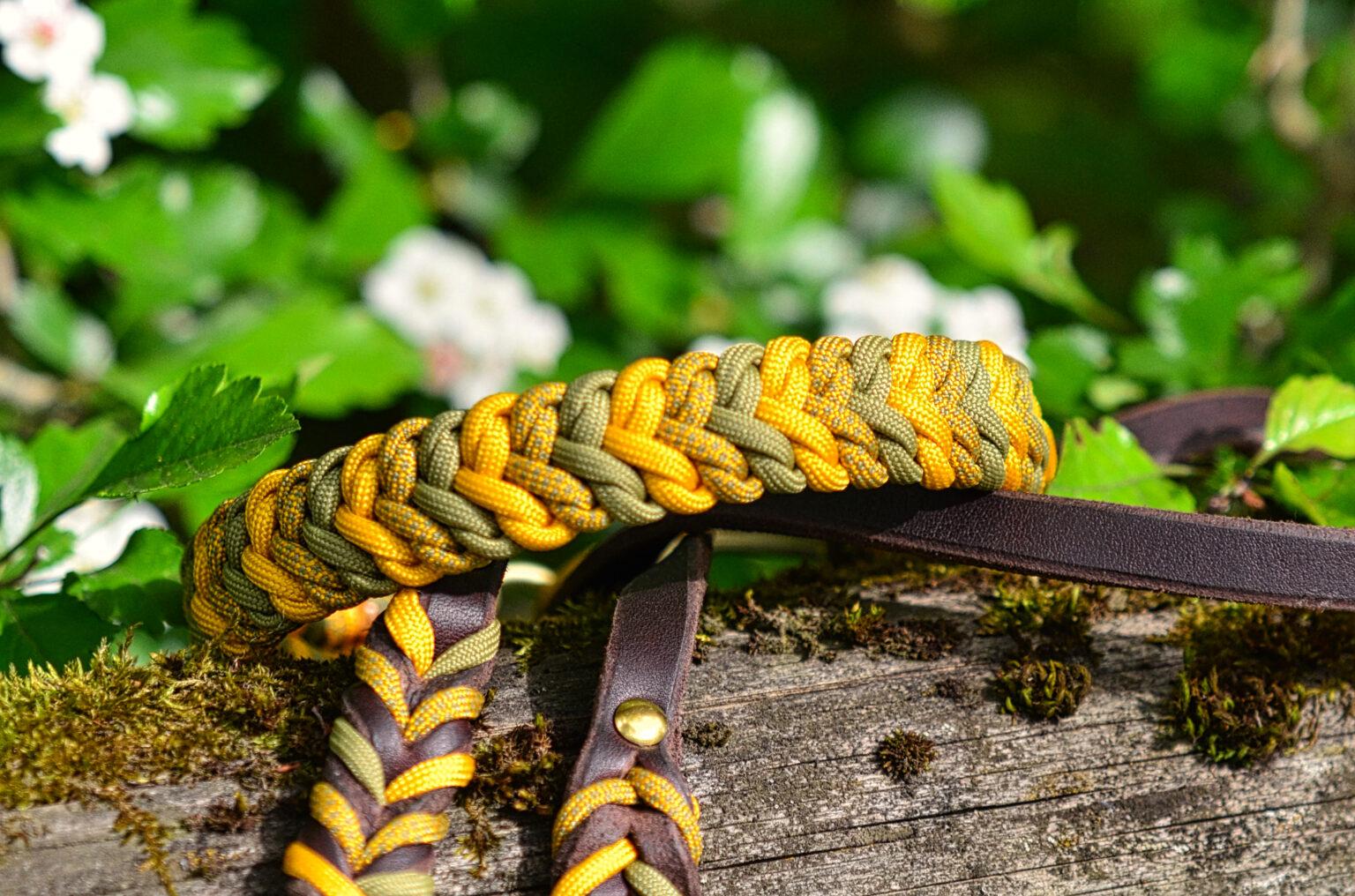 Eine sehr edle Kombination mit passender Leine in Moosgrün und Goldgelb.
